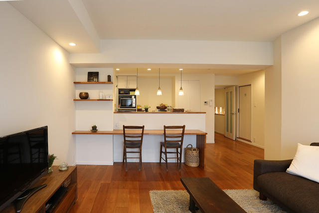 Living and Dining Kitchen